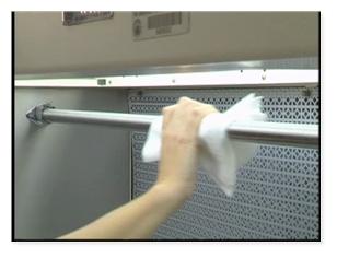 Laminar Airhood Cleaning